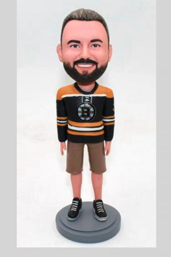 Custom bobblehead in Bruins jersey