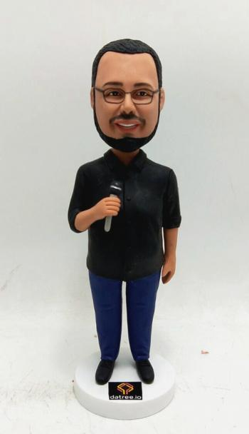 Personalized bobble head- Singing