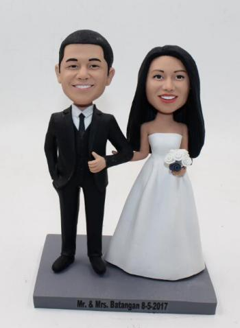 Custom traditional wedding cake topper