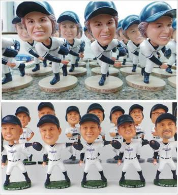 Bulk custom bobblehead dolls personalized from photos
